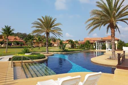Beach villa at Seabreeze Residence