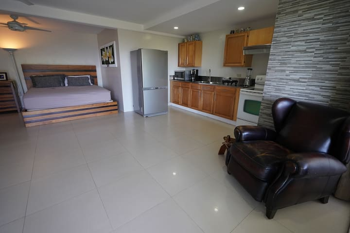 Private studio apartment with views of Subic Bay