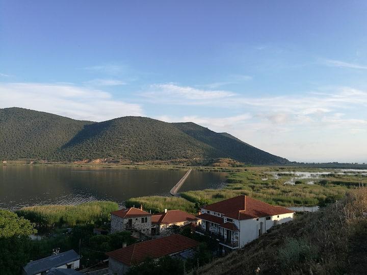 Agios Ahilleios