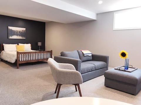 The Dear Home - Clean and comfy Collingwood suite