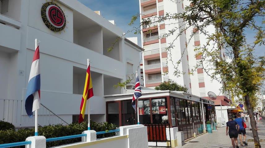 Private room in Residencial & Praia da Rocha
