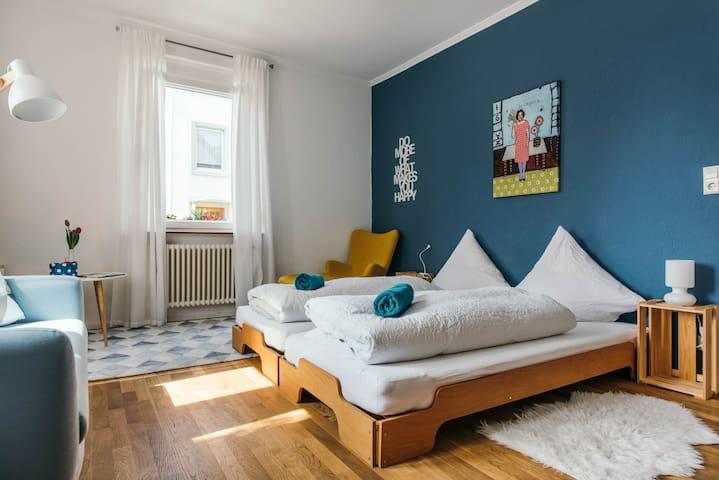 Sonniges Zimmer mit TV | Garten | Nähe Uni - Constance - Bed & Breakfast