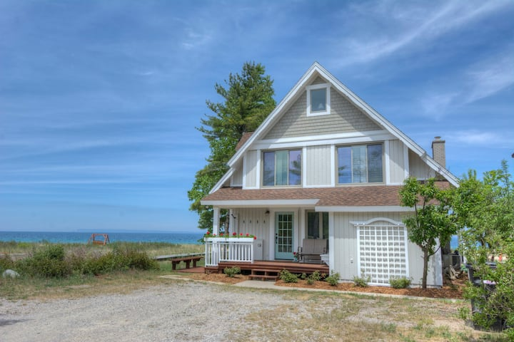 "Ballein Family's ""Innisfree"" Cottage in Glen Arbor"