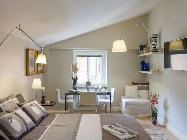Apartment in the center of Rome