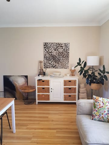 Quiet light filled abode in Unley