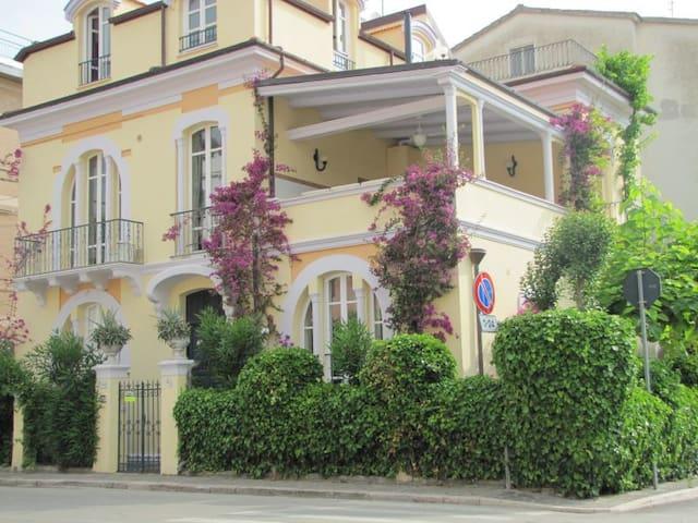 Trilocale  in villa a due passi dal mare - Marina di Vasto - Apartment
