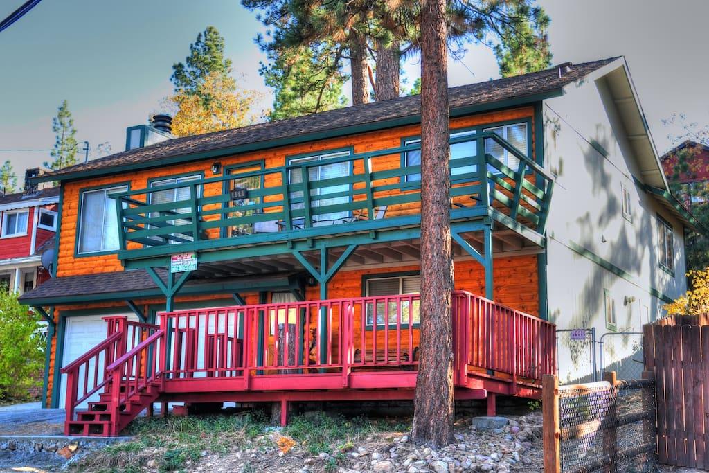 Cozy cabin full of fun lake marina village slope for Big bear village cabins