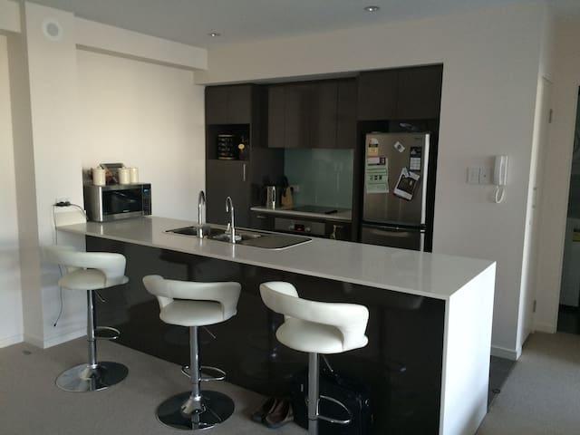 Brand New! - Resort Style Apartment - Burswood - Leilighet