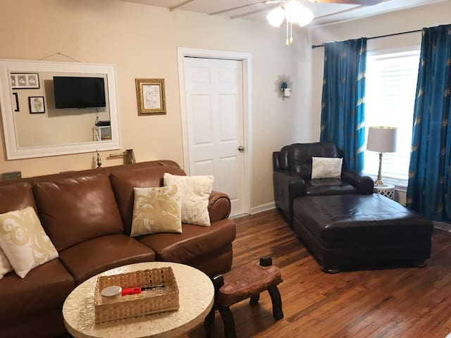 2 Bedroom, whole home in the heart of San Antonio!