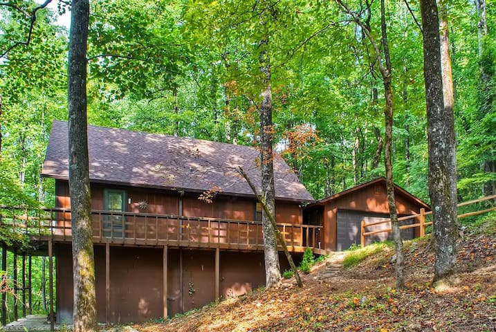 Enchanting 3BR Tiger Cabin w/Private Deck