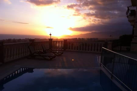 GoldCity Alanya 3 Bed  Villa - อลันยา