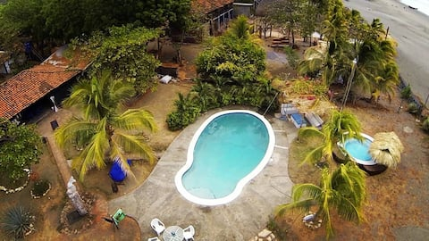 ALL INCLUDED (6 ADULTS) SOMAR SURF LODGE