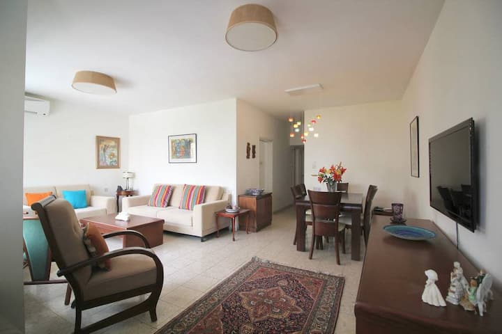 Mendele st.  - 2 Bedrooms - 2 min from the Beach