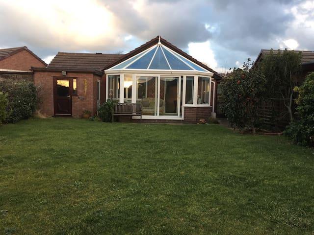 Deganwy detached bungalow - Deganwy