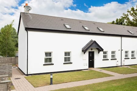 Mews No. 5 on Golf Course close to Dublin Airport