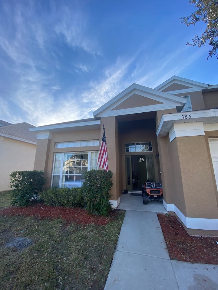Great Room,  close to Disney.