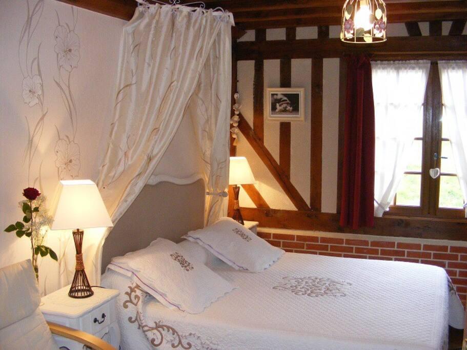 Chambre romantique avec piscine d 39 int rieur chambres d for Chambre hote romantique