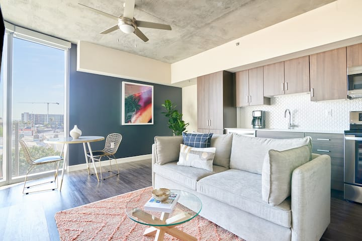 Sonder | Downtown 1BR | Discounted Rates