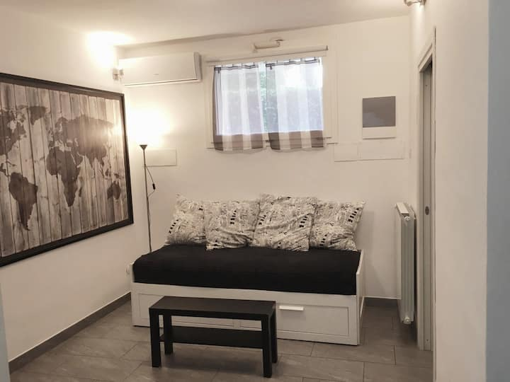 Studio with private kitchen  - Basement floor -