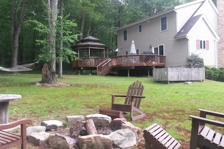 Circle-Lodge, Treasure Lake Pa. - DuBois (Treasure Lake) - 一軒家