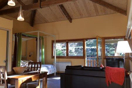 Acogedor loft rodeado de bosque i naturaleza -Taga - Ribes de Freser - Loteng