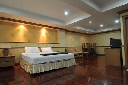 Big APT near Khaosan/Grand Palace 1 - Bangkok