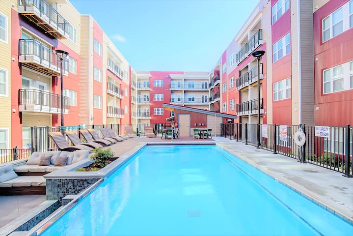 Lovely 1BR at The Brix w/pool by Urban Hospitality