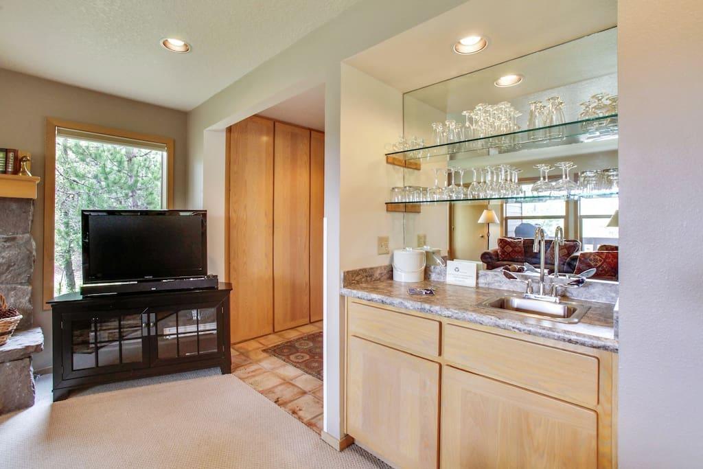 Indoors,Kitchen,Room,Furniture,Entertainment Center