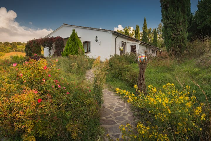 Charming House in a beautiful Tuscan Villa - Seggiano - Villa