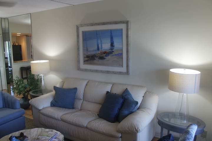 Newly Furnished One Bedroom in Naples, Florida