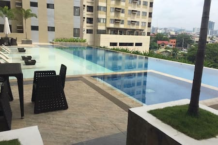 Fully Furnished Studio Unit at Persimmon for Rent