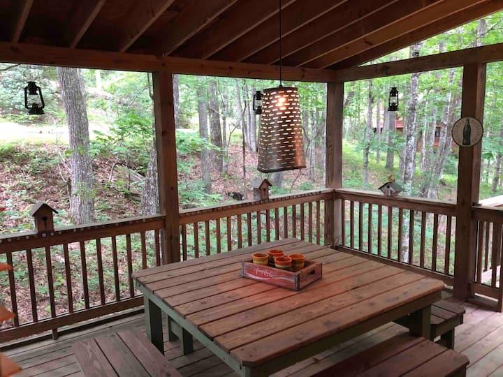 Casual Mountain Cabin Getaway