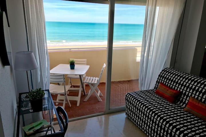 Piso con terraza frontal al mar en Cádiz - Cádiz - Wohnung