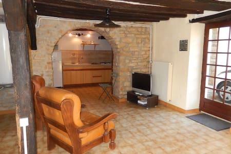 logement spacieux et indépendant - Wohnung