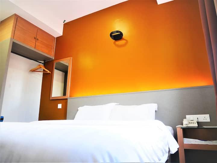 PantaiRegal Boutique Hotel King Room @TamanTas