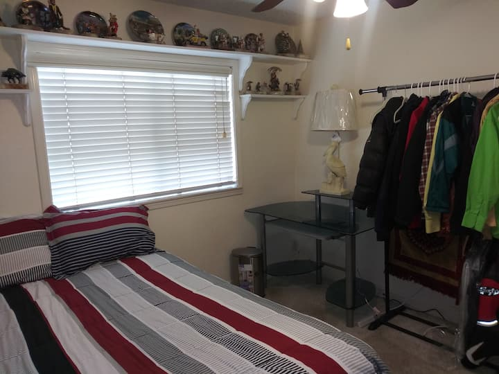 T.V., Fridge, Firestick, Microwave, Quiet Room