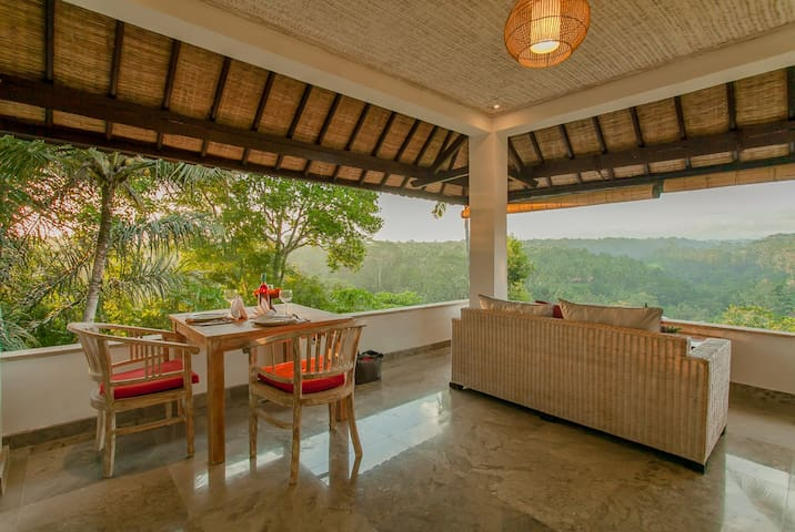 Sayan Terrace King Suite with Superb View