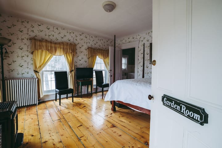 The Beal House | Garden Suite