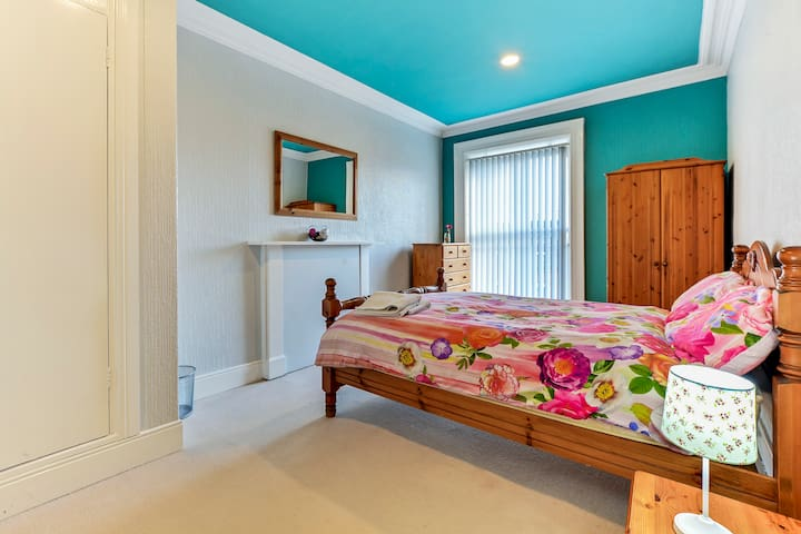 Bedroom 5 at Crawford Square