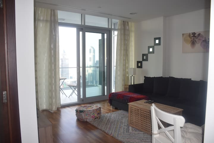 1 bed Apt in the Financial District, great view! - Dubai - Apartment
