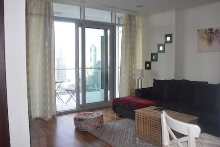 1 bed Apt in the Financial District, great view! - ドバイ