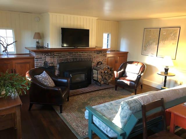 Historic & cozy N. Gorham home