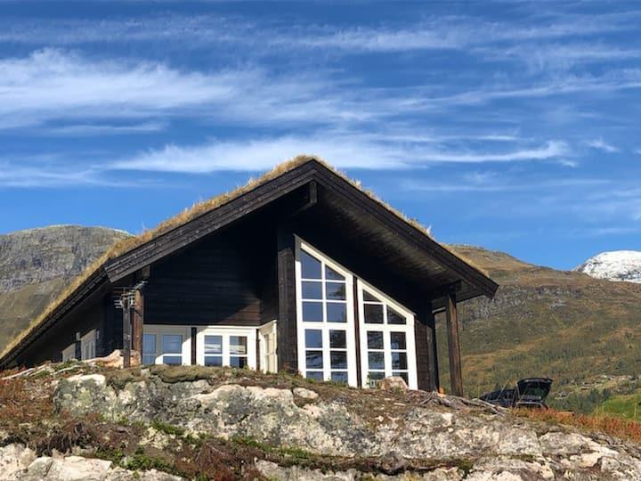 Ny og moderne hytte i Stryn, Hydla hyttefelt.
