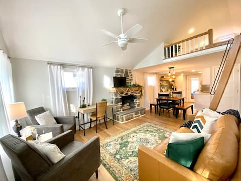 Emerald Oasis- A newly renovated riverside cottage