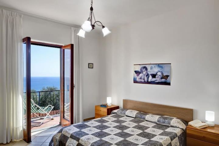 Nice panoramic apartment with large balcony, 7 pax - Nerano - Daire