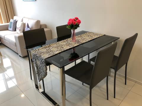 V3- 1BR High Floor Luxury Suite Perfect for Couple