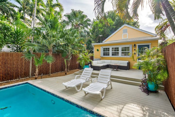 Dog-friendly home w/ private pool offers fantastic location in central Key West