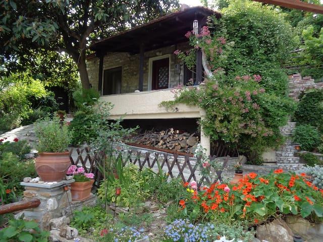 mountain-village 2 bedroom house - Volos - บ้าน