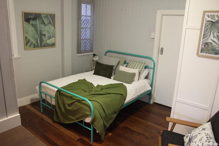 Inner city self contained studio apartment