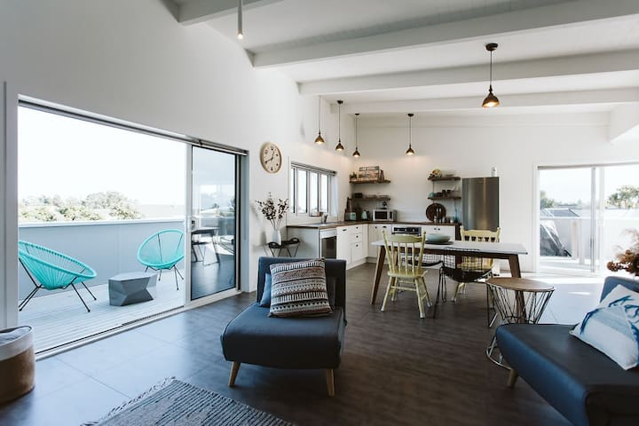 AROHA - THE BEACH LOFT